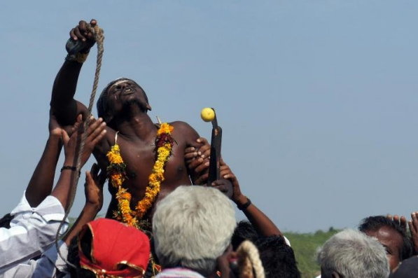 This image shows an act of religious devotion in southern India. Credit: Eleanor Power