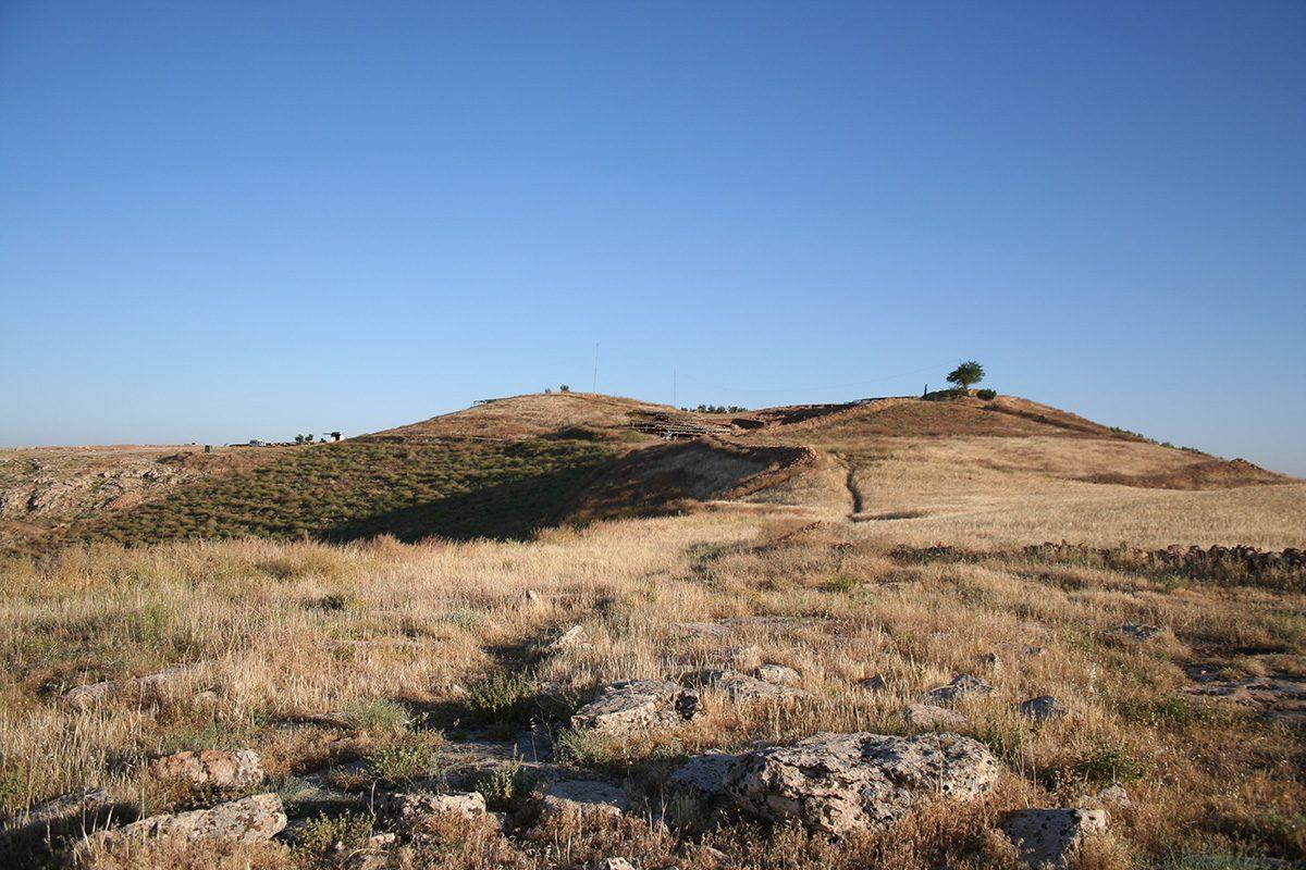 Fig. 9: Göbekli Tepe from the southeast. (Image: DAI)