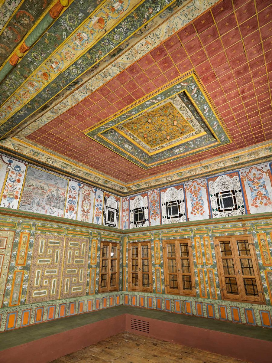 The Poulko Mansion contains excellent decorative painting, stained glass windows and wood carvings.