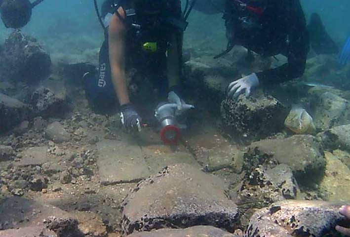 """Practical work took place at the marine archaeological site of the """"Sunken City"""" in Palaia Epidavros. (Photo credit: Ministry of Culture and Sports)"""