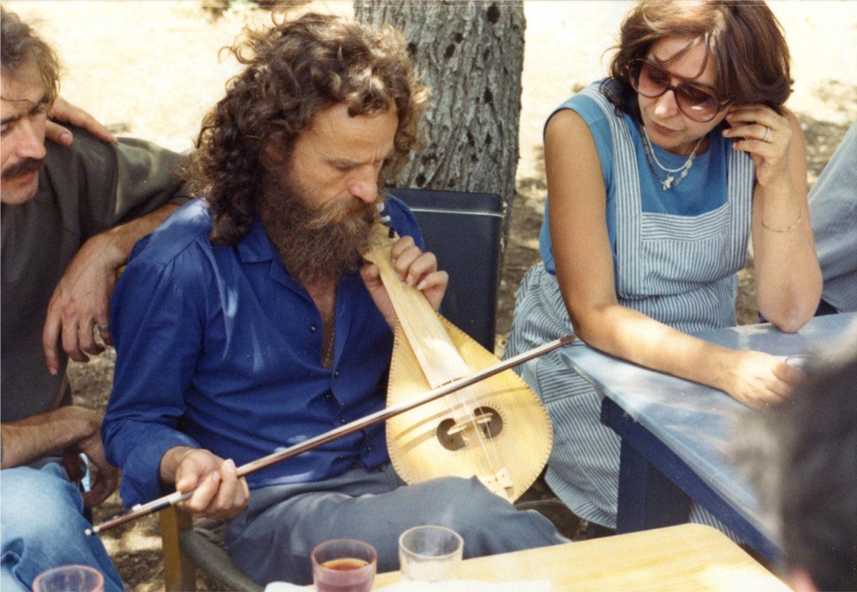 Fig. 17. Efi Sapouna-Sakellarakis and Psarantonis at Ideon Andron, 1985.