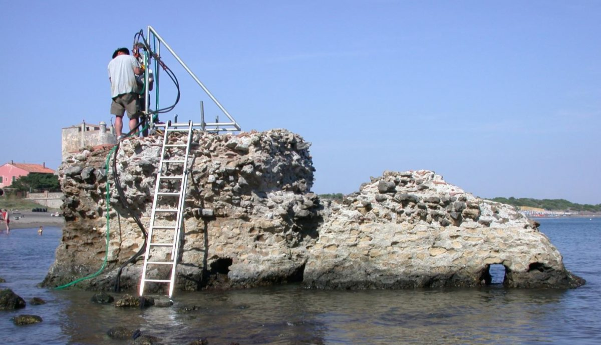 ROMACONS drilling at a marine structure in Porus Cosanus, Tuscany, 2003. Drilling is by permission of the Soprintendenza Archeologia per la Toscana. Credit: J.P. Oleson