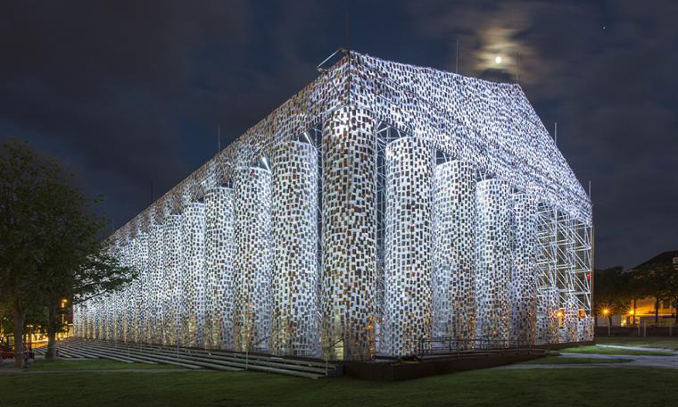 The Parthenon of Books (2017). Steel, books, and plastic sheeting. 19.5 × 29.5 × 65.5 m. Commissioned by documenta 14, with support from the Ministry of Media and Culture of Argentina. Friedrichsplatz, Kassel.
