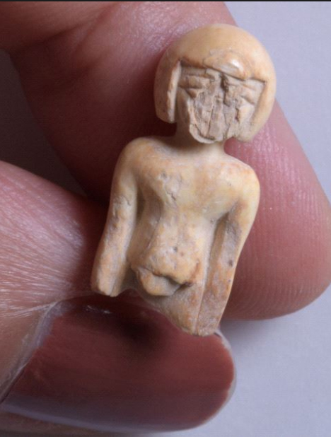 One distinct and rare finding is a small ivory statue of a woman. The figure is naked, and her haircut or wig is Egyptian in style.