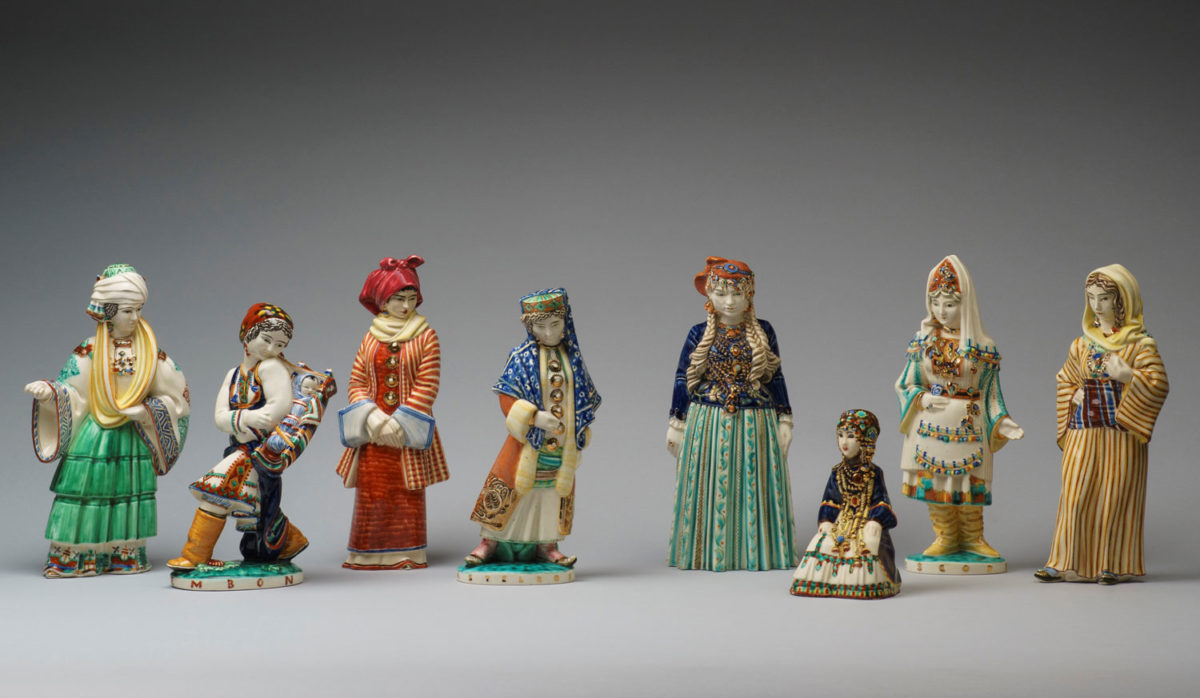 Female figurines dressed with Dodecanese islands traditional costumes, created by Egon Huber, ICARO Rodi (1933). Benaki Museum Collection.