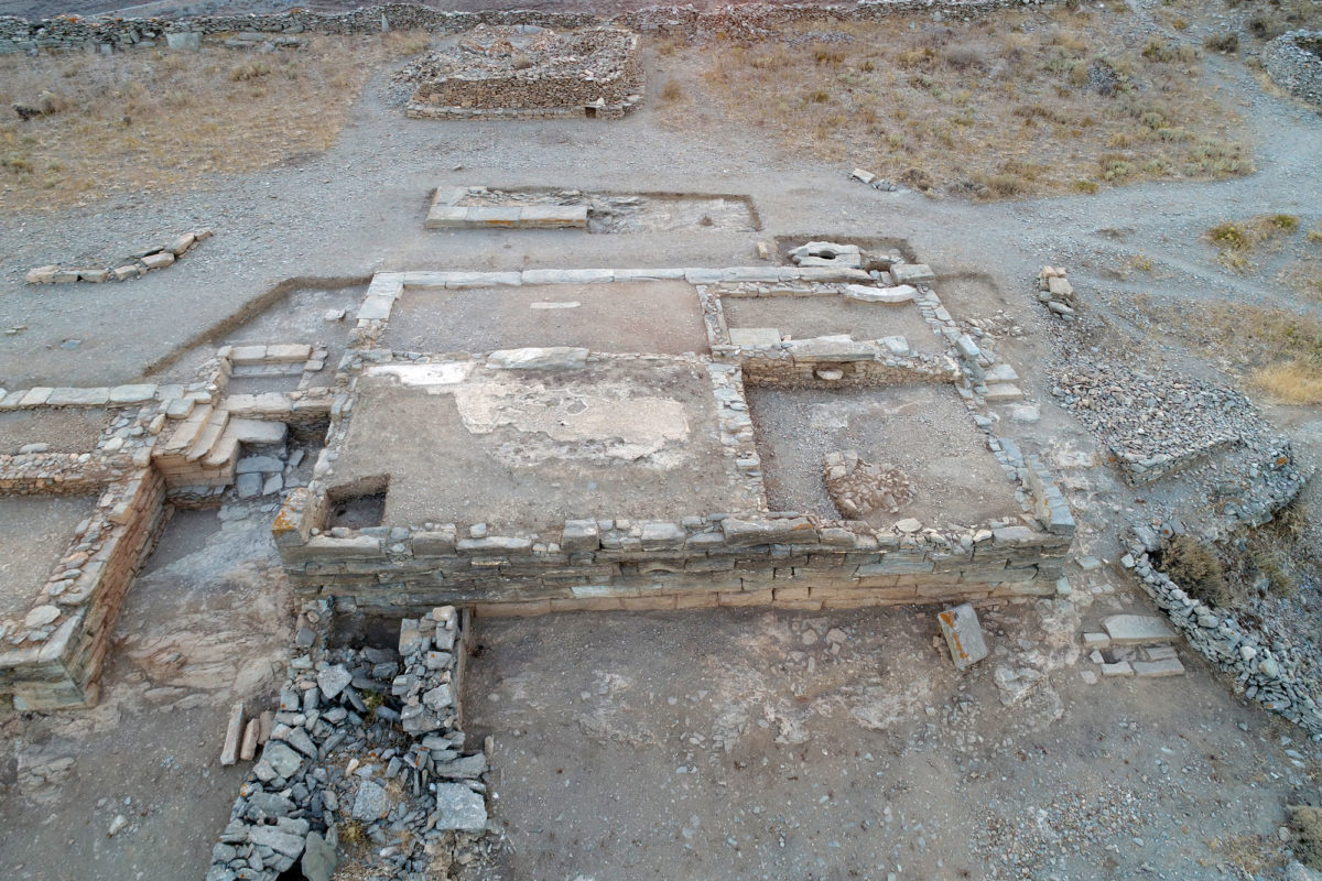Fig. 3. Aerial photograph of Building 1 on the Middle Plateau, from the east. Photo Credit: Kostas Xenikakis.