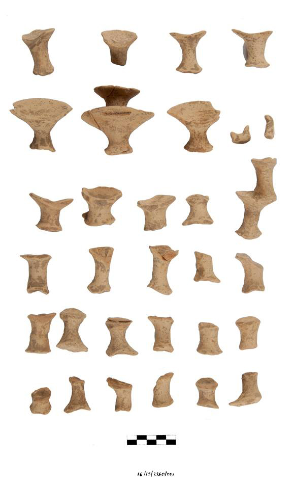 Fragments of ritual vase, probably a kernos, from the Central Court (© EBSA –photo Chronis Papanikolopoulos)