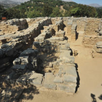 Zominthos: the Minoan mountain palace