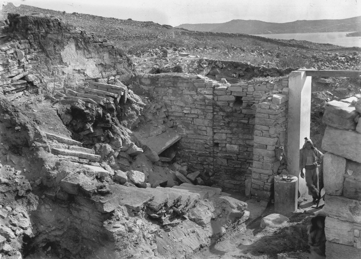 Revealing the House of Dionysus at Delos (1904).
