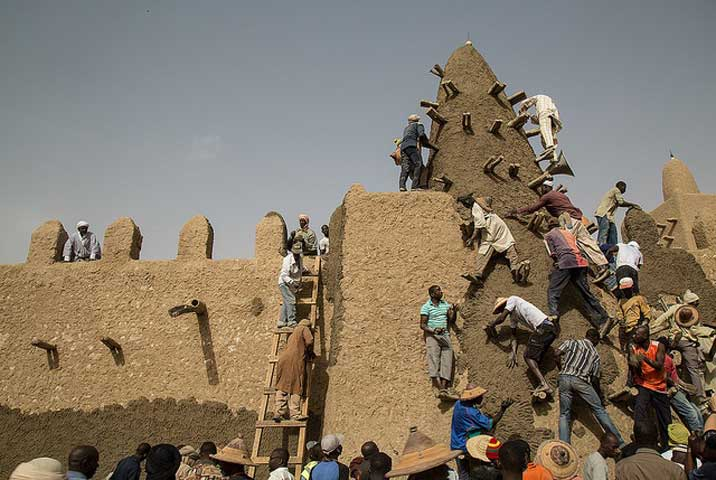 Fig 2.UN peacekeeping mission in Mali (MINUSMA) works hand in hand with UNESCO to protect Mali's cultural heritage.