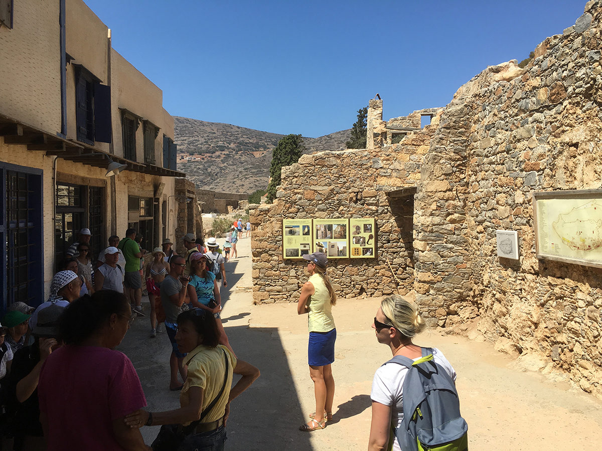 Fig. 6. Guided tours on Spinalonga (2017).