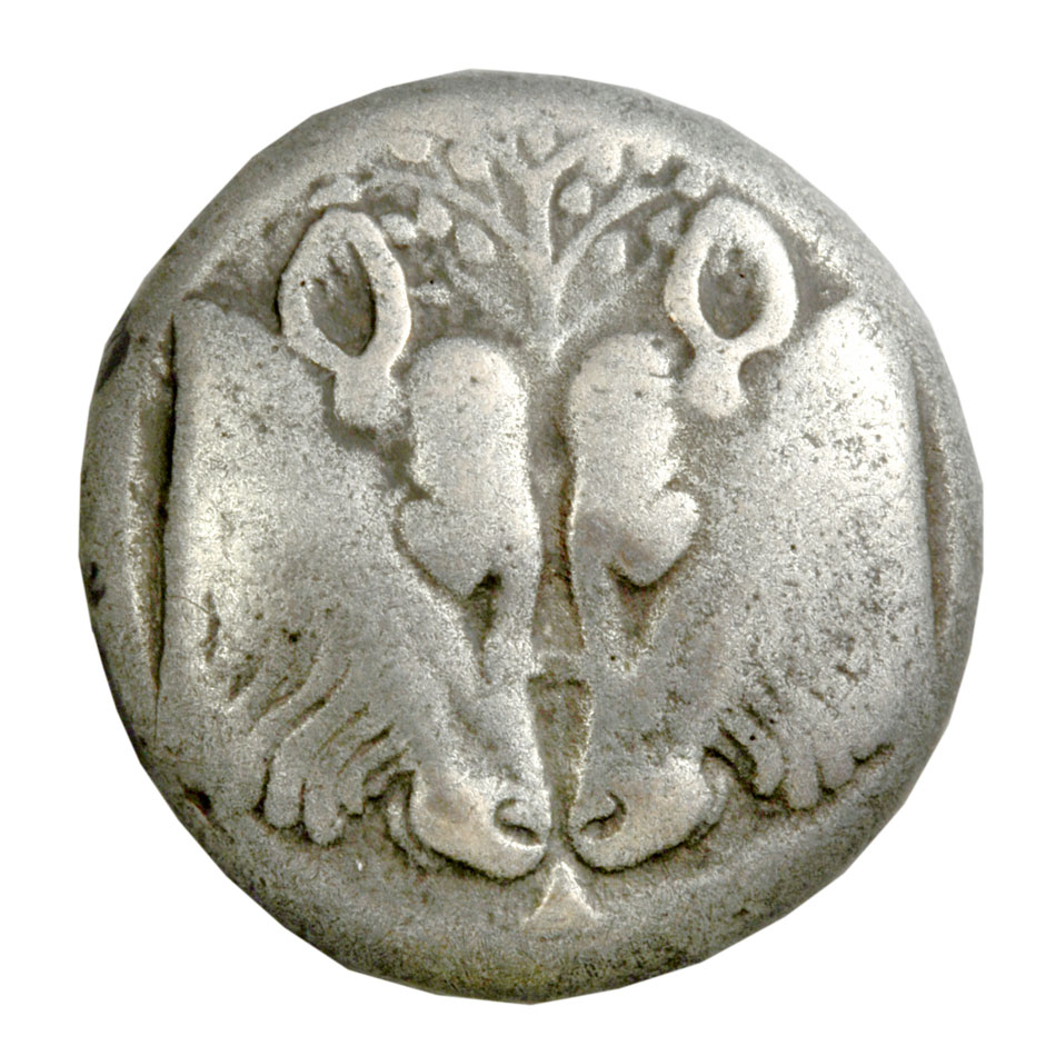 Billon stater of Lesbos depicting an olive branch between two bovine heads. 550 – 480 BC © Athens, Alpha Bank Numismatic Collection (photo by P. Magoulas)