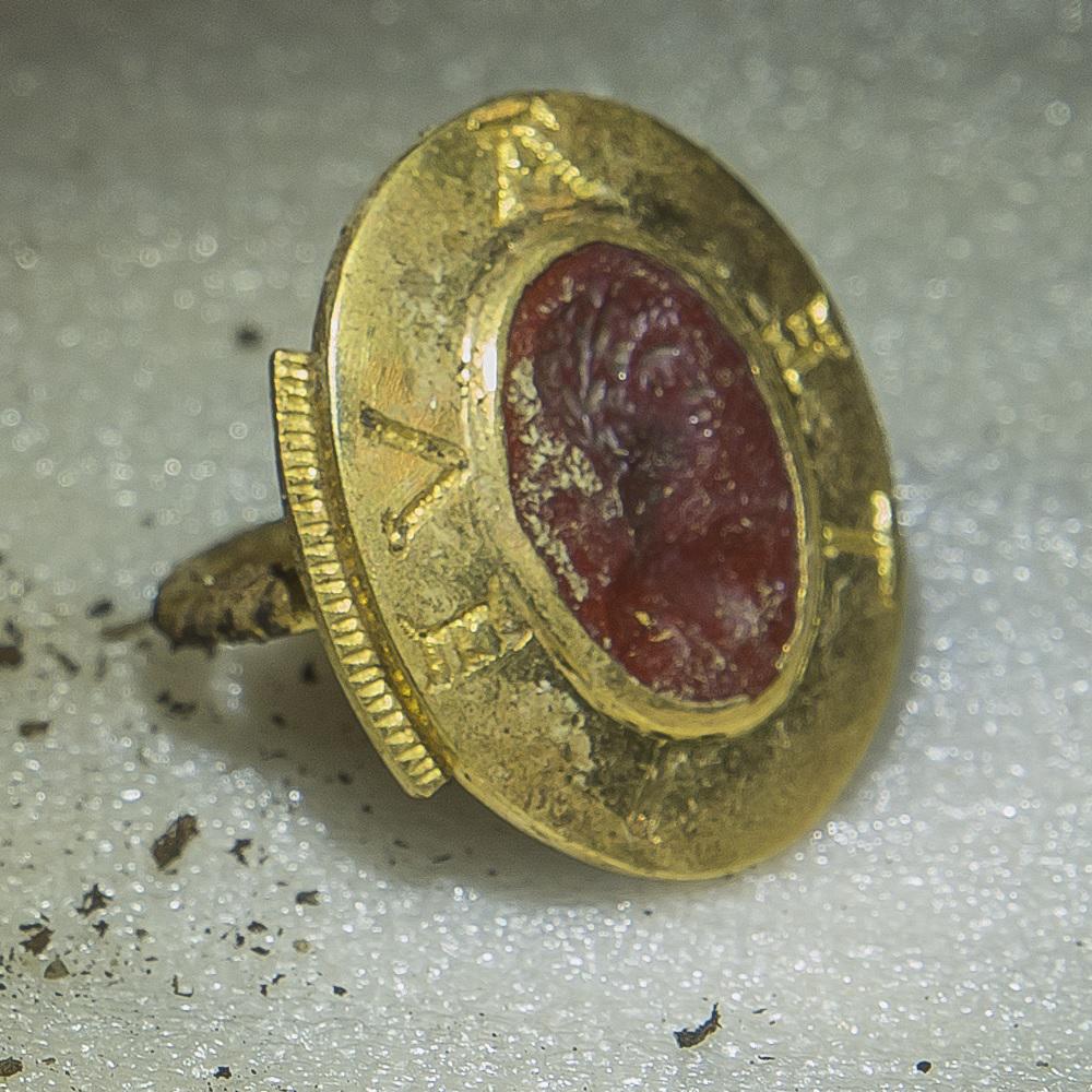 Signet ring with intaglio. Credit: Alexis Grattier-Université Lumière Lyon 2