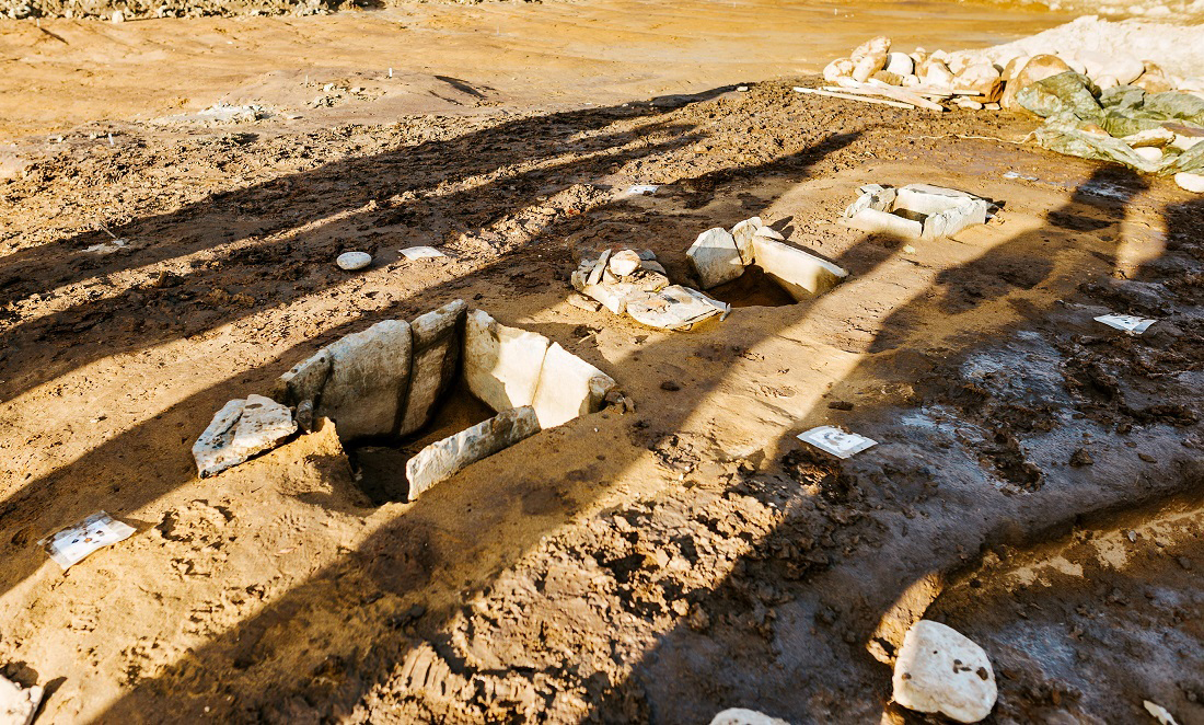 Three smaller stone chambers typical of this period that were used to bury people. Photo: Julie Gloppe Solem, NTNU