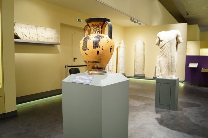 Diachronic Museum of Larissa. View of the exhibition of the archaic and classical eras.