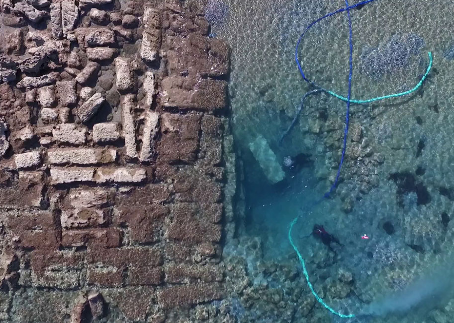 Pier 2 appears to be standing on a layer of pebbles placed on the sandy seabed at a depth of approximately 3.5 m below today's surface of the sea . Credit: Ephorate of Underwater Antiquities