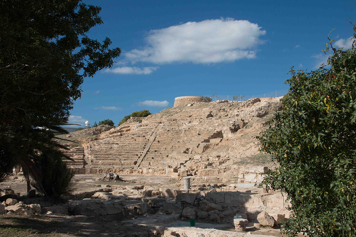 The ancient theatre of Pafos is located to the south of Fabrika hill in the north-eastern quarter of the ancient walled city.