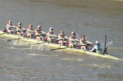 Cambridge University Women's Boat Club openweight crew rowing during the 2017 Boat Race on the river Thames in London. The Cambridge women's crew beat Oxford in the race. The members of this crew were among those analyzed in the study. Credit: Alastair Fyfe for the University of Cambridge.