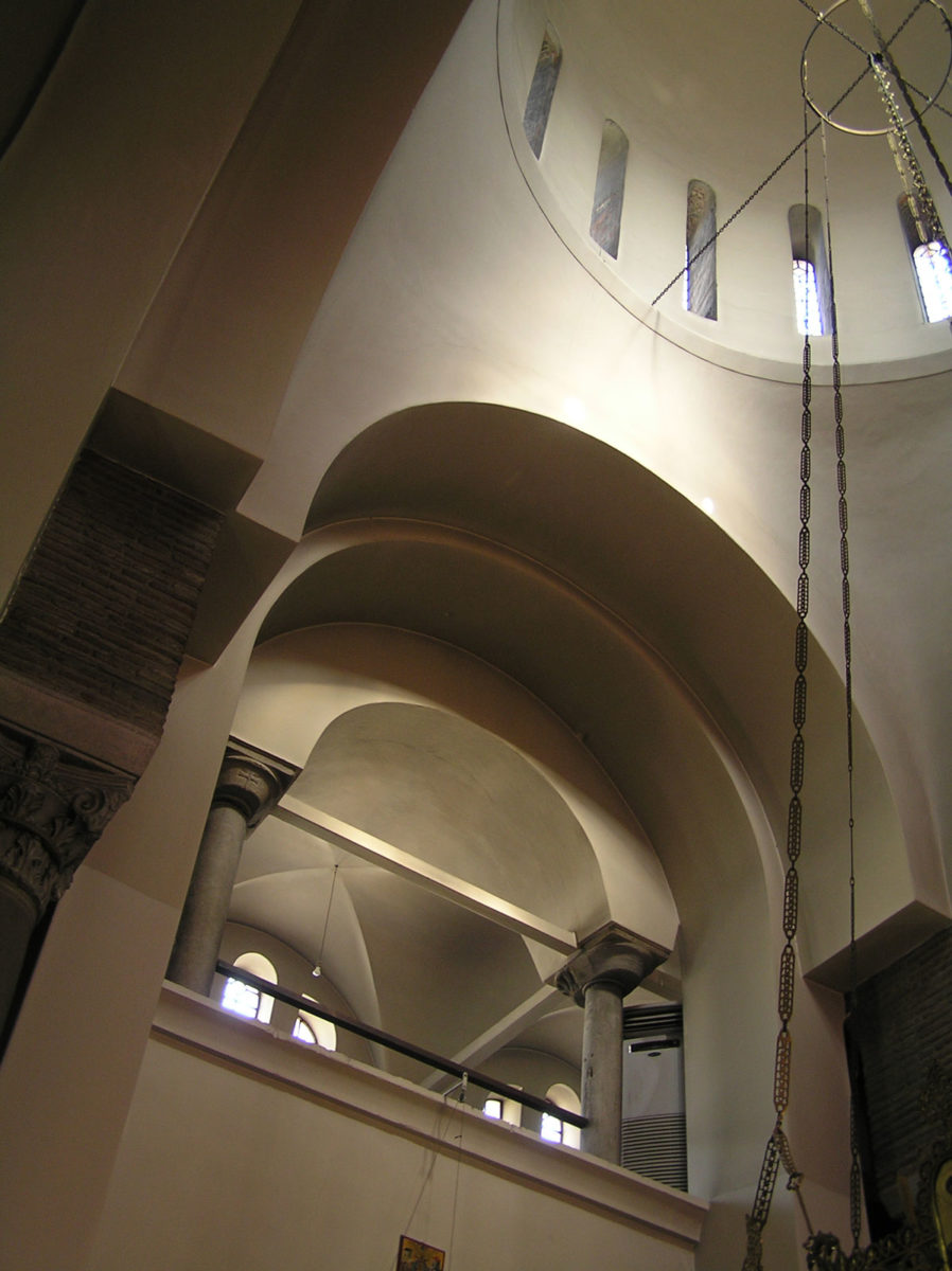 Fig. 13. The lighting of the western drum of the dome and the catechoumeneion (at 9:55 in October).