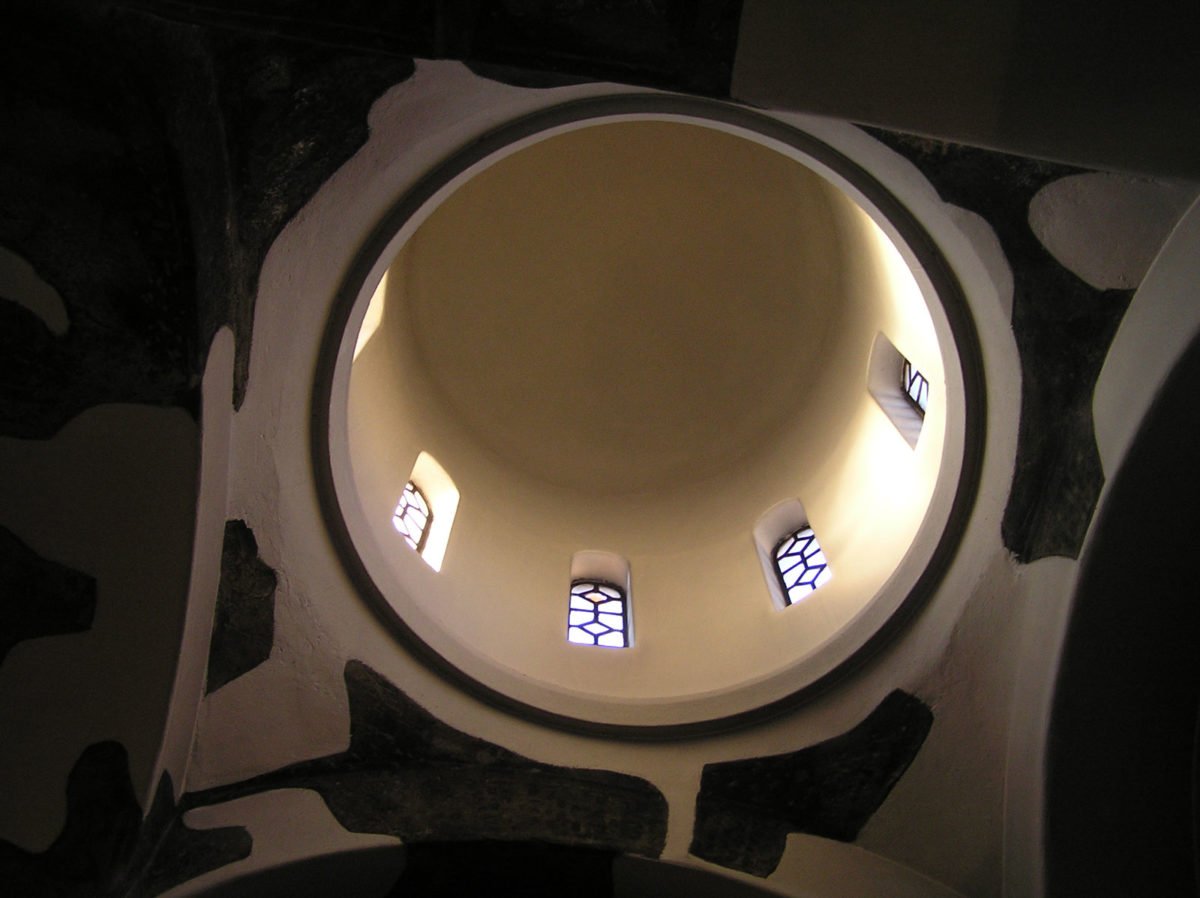 Fig. 18. The lighting of the western smaller dome (at 17:12 in February).