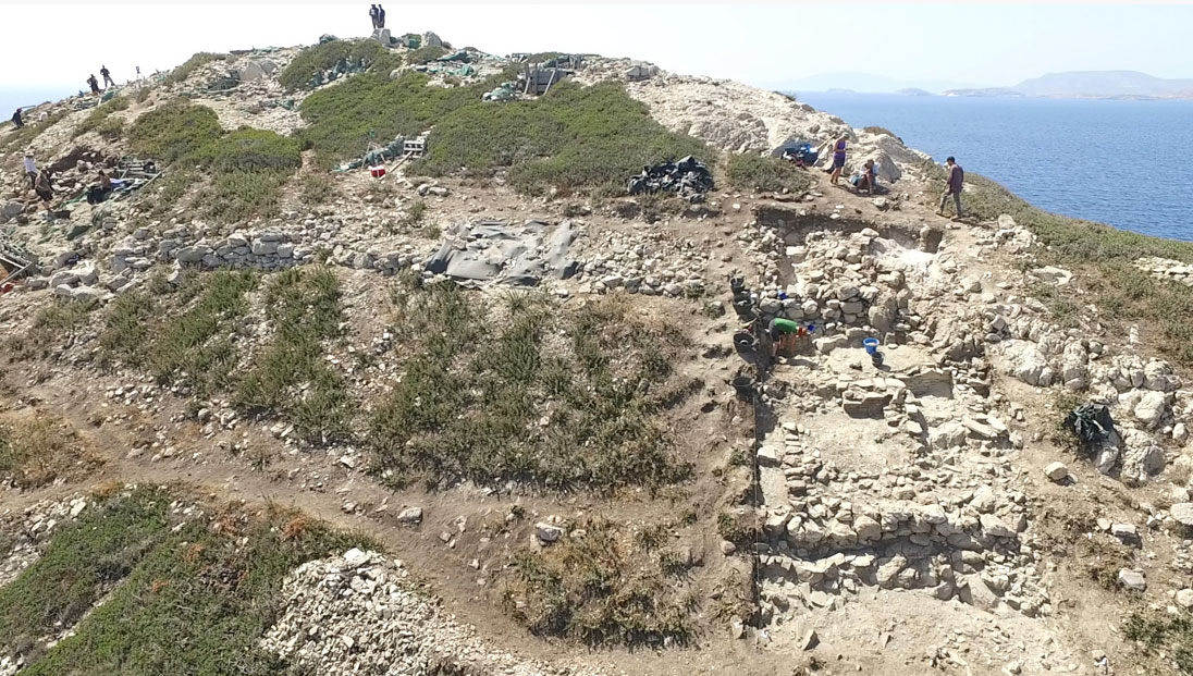 Aerial photograph of Dhaskalio (source: Ministry of Culture and Sports/British School at Athens).