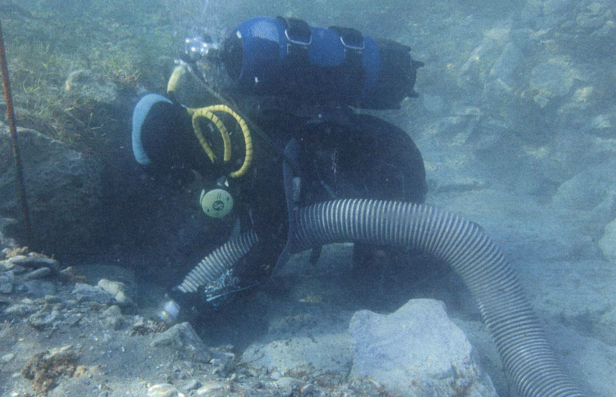 Kyllene-Glarentza: Underwater excavation and cleaning (Photo: Ministry of Culture and Sports).