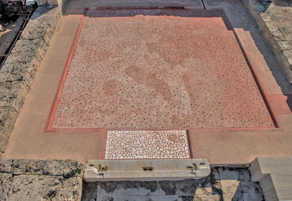 At present, there has been a complete conservation and reconstruction of the west, south and south east wing, where the rooms with the mosaics are located (photo: AMNA/A. Kottaridi).