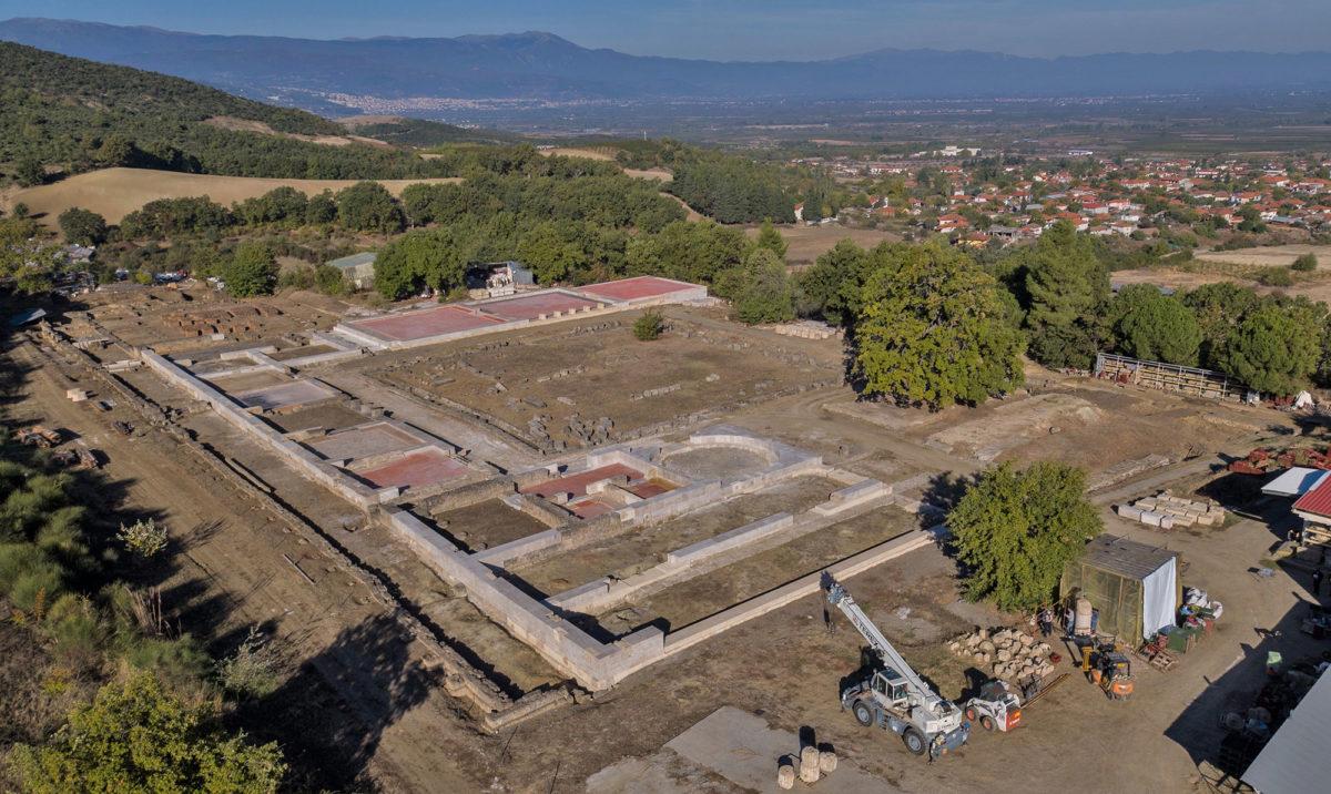 View of the palace of Aigai (photo: AMNA/A. Kottaridi).
