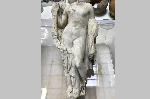 A headless statue of Aphrodite has been unearthed at Thessaloniki in Excavations during Metro construction. Photo Credit: The Greek Reporter.