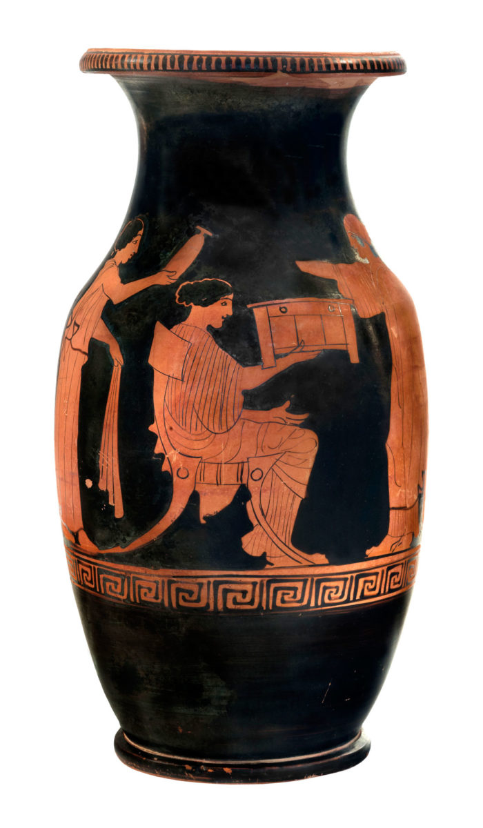 Red figure olpe from Modi, Locris (440 BC). © NAM/ ARF (Photo: S. Mavrommatis).