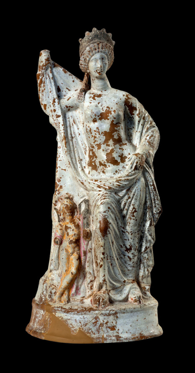 Clay statuette of the goddess Aphrodite (2nd/1st c. BC) © NAM/ ARF (Photo: S. Mavrommatis).