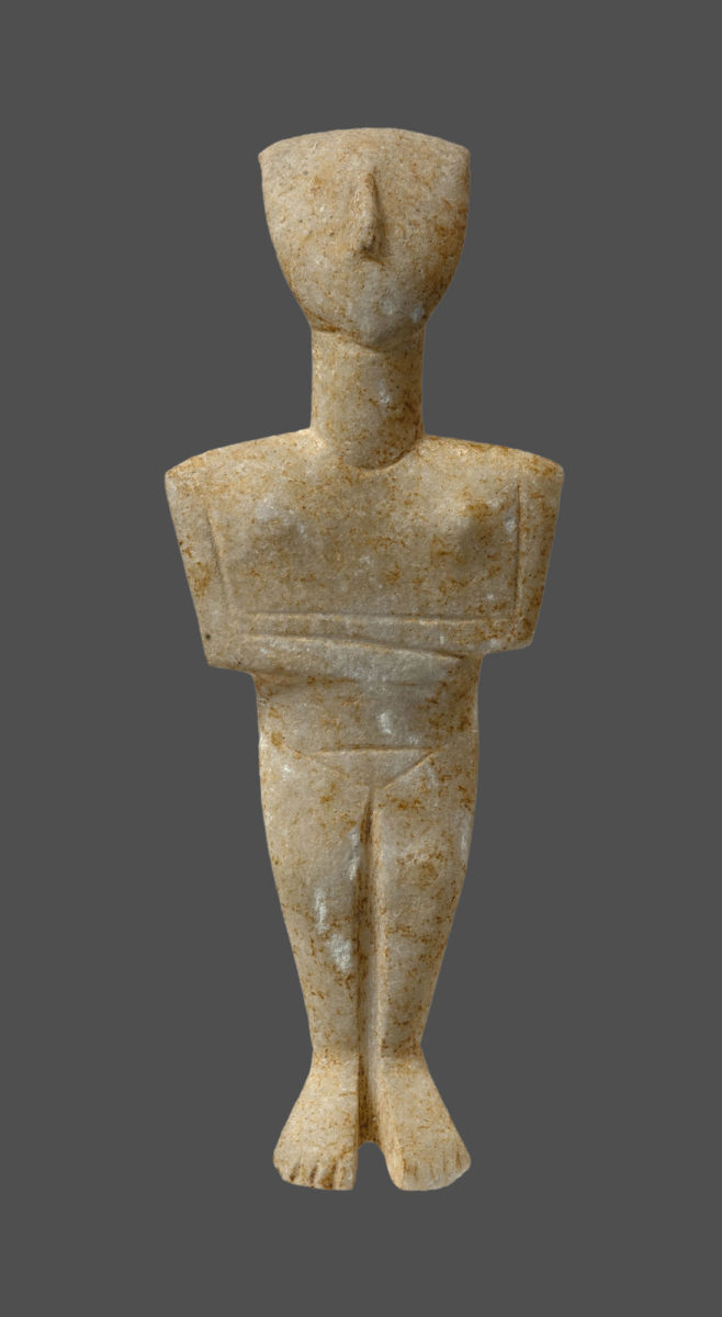 Marble Cycladic figurine of a female figure of the Spedos variety (2880-2300 BC) © NAM/ ARF (Photo: S. Mavrommatis).