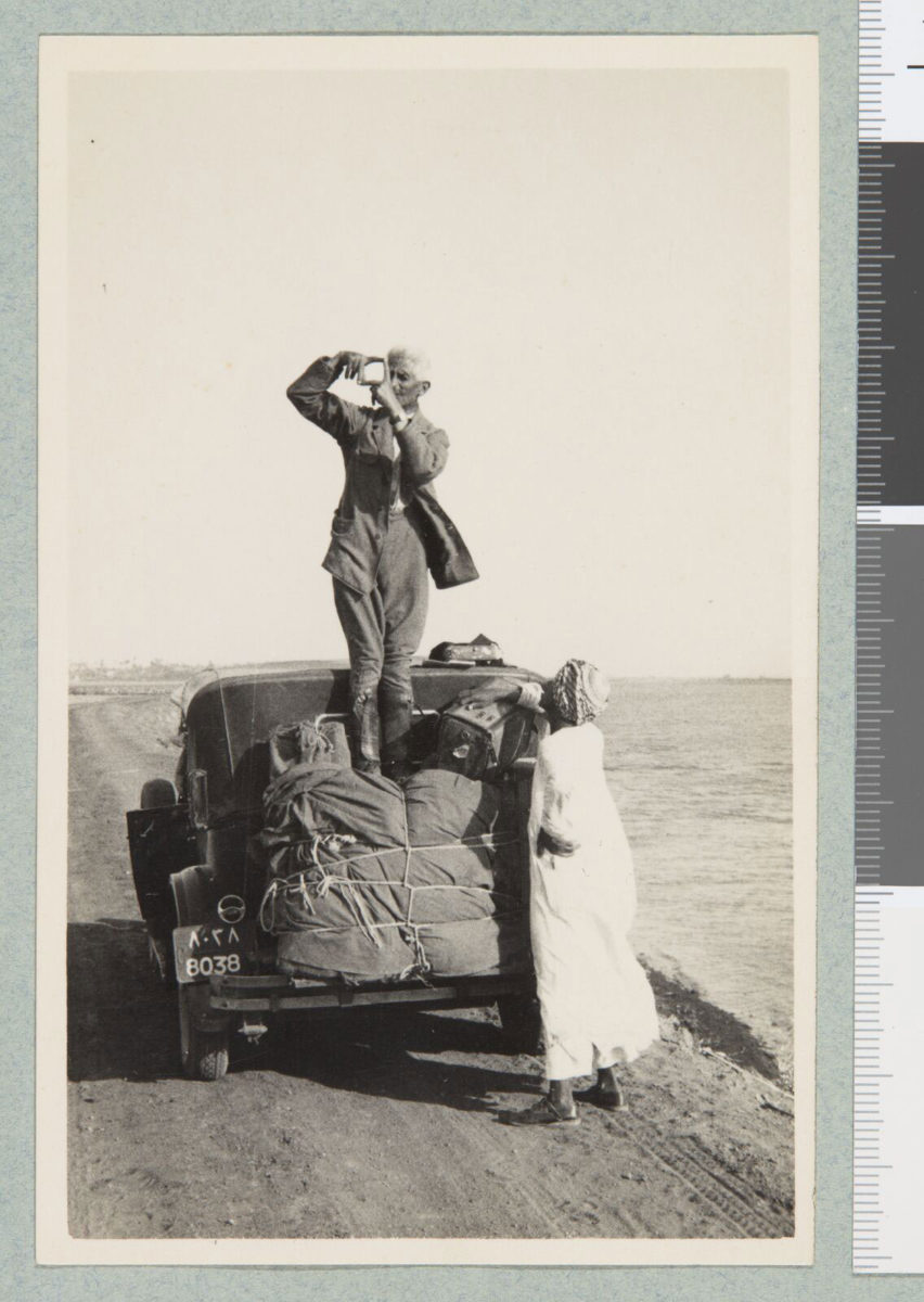 Fred Boissonas takes photographs of Egypt, 1929/1933. © Bibliotèque de Genève.