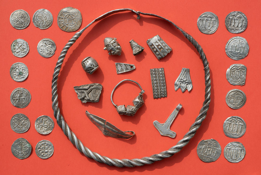 Part of the treasure found on the island of Rügen in the Baltic Sea (photo: DPA)