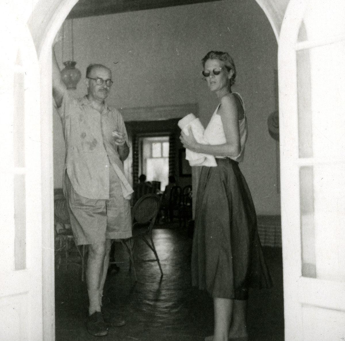 Nikos Hadjikyriakos-Ghika with Joan Leigh Fermor, Hydra 1955. © Benaki Museum / The Ghika Gallery, Photographic Archive