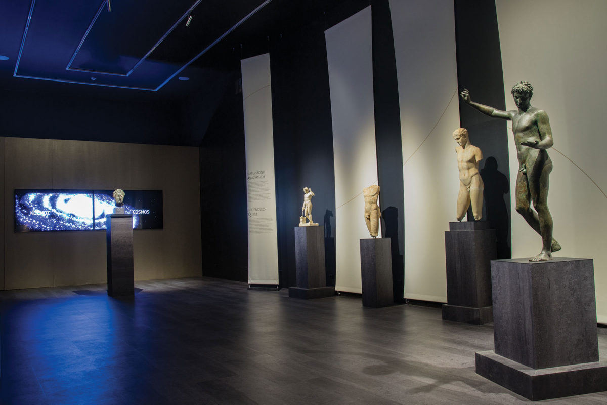 View of the exhibition «The countless aspects of beauty»  - Units «Focusing on the body » and «The endless quest» (photographer: Stelios Skourlis) (© National Archaeological Museum/ Archaeological Receipts Fund)