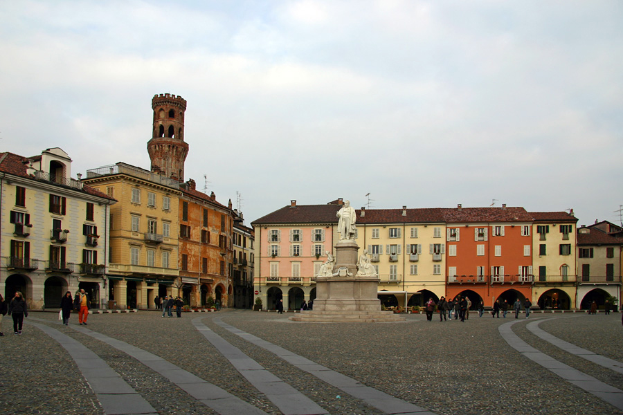 Piazza Cavour and the Torre dell'Angelo. Vercelli, Italy.