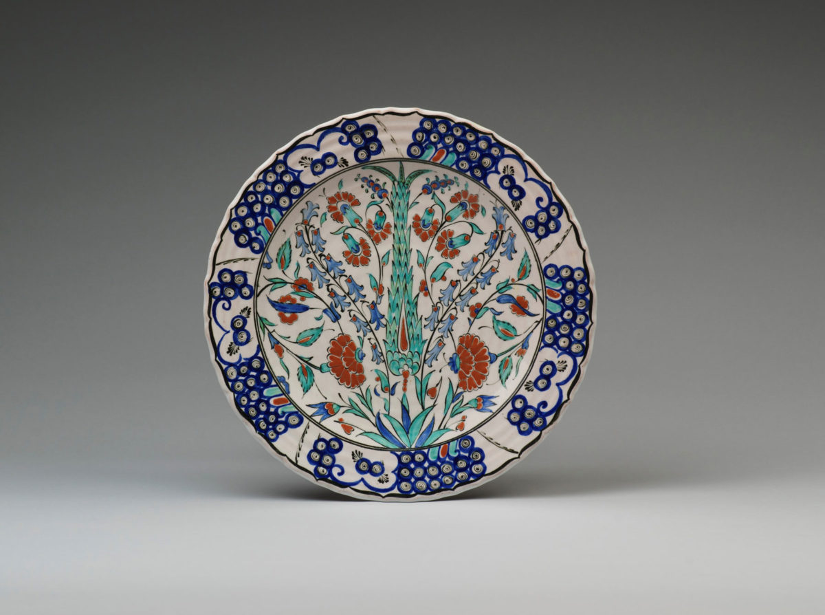 Plate with an ICAROS Rhodes signature of the first Greek period (c. 1950-55).