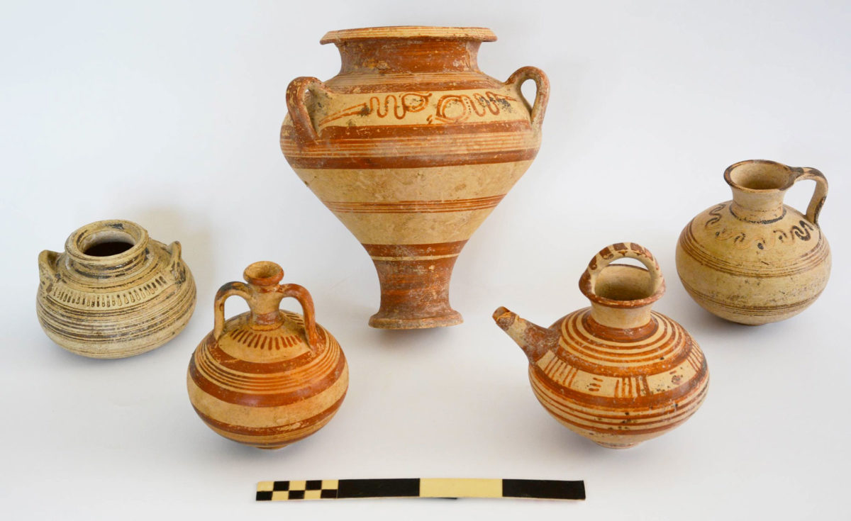 Dromoloaxia-Vyzakia: Mycenaean vessels (Photo: Cyprus Department of Antiquities)