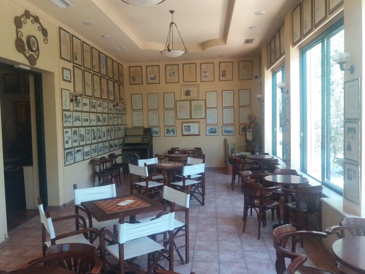 "The ""Kipos"" café is located in the heart of Chania's public gardens (Photos: AMNA/ Vasilis Stathakis)"