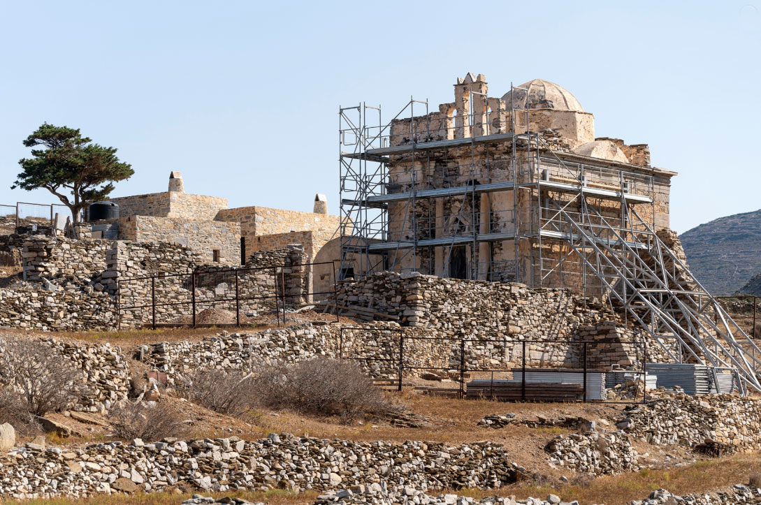 Restoration work on this special and very important monument at Episkopi, Sikinos is being implemented by the Ministry of Culture and Sports through the Ephorate of Antiquities of the Cyclades (photo: MOCAS).