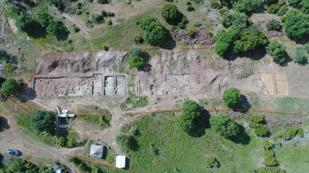 Kefalochori, settlement and cemetery from the Bronze age and the Hellenistic period.