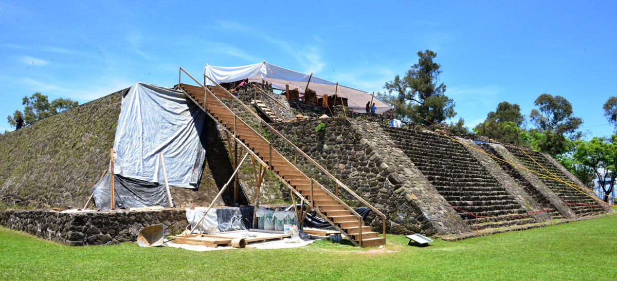 The pyramid of Teopanzolco in Cuernavac, Mexico. Photo: Melitón Tapia, INAH.