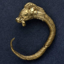 Rare Hellenistic-era golden earring discovered in Jerusalem