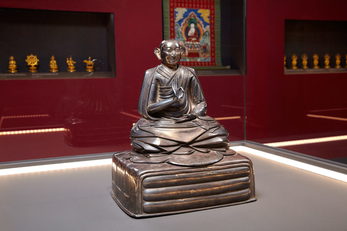 Silver statuette of the Third Dalai Lama Qing Dynasty, Qianlong Reign (1735-1796). Photographed by Giorgos Vitsaropoulos.