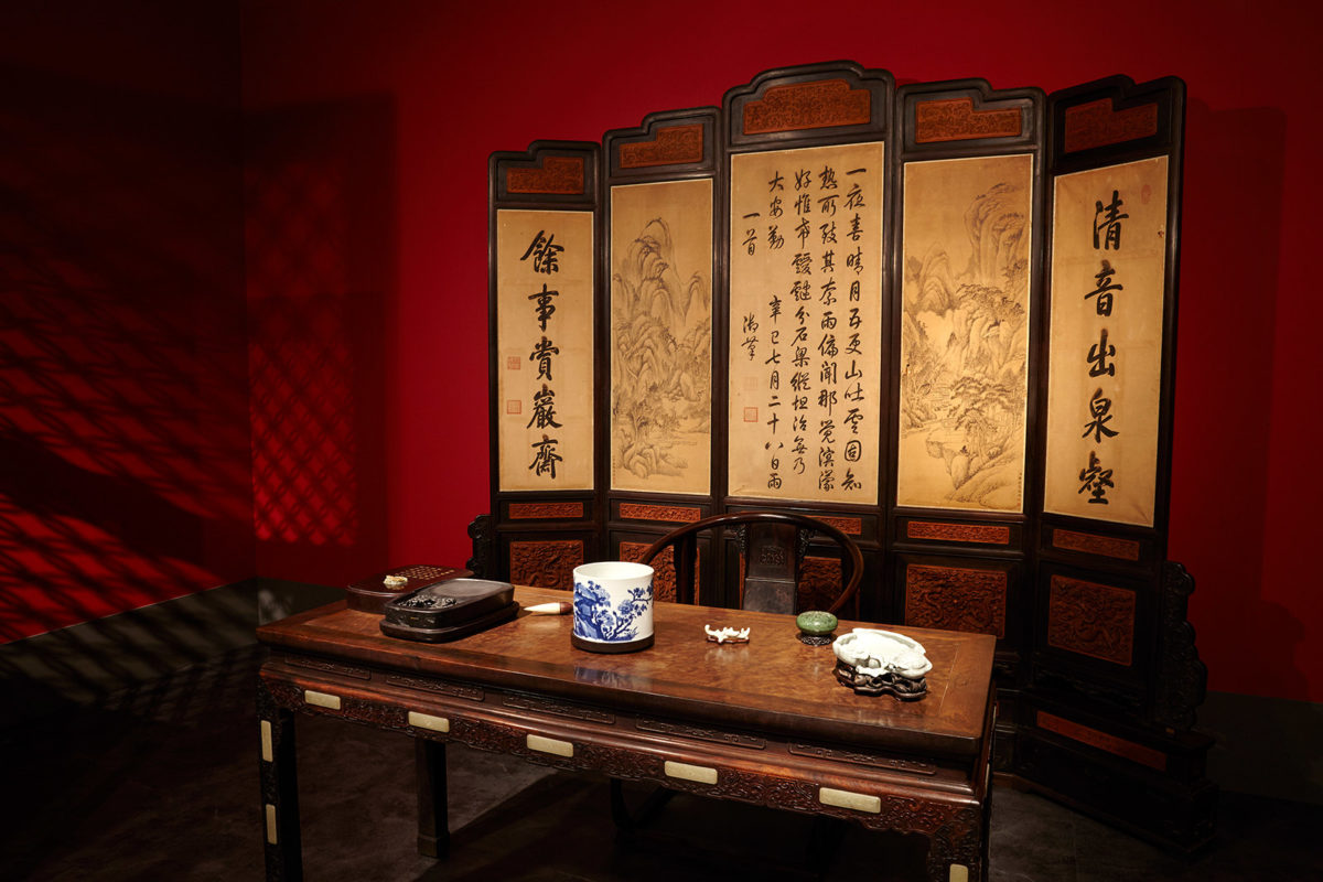 Τhe study room of Qianlong in  the Palace of Many Splendors  Qing Dynasty, Qianlong Reign (1735-1796). Photographed by Giorgos Vitsaropoulos.