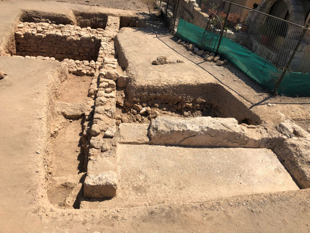 Pafos-Toumballos: Wall consisting of medium-sized stones, barely dressed and held together with lime was excavated.