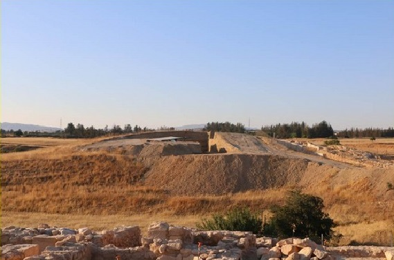 View of the excavations at the Laona tumulus. Credit: Department of Antiquities, Cyprus