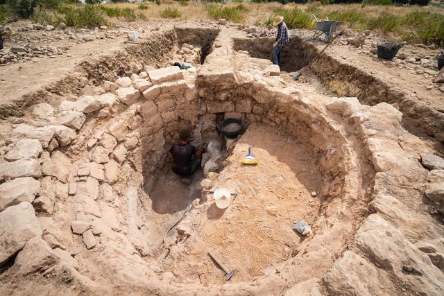 Excavation of a late antique lime kiln. Credit: © Peter Jülich