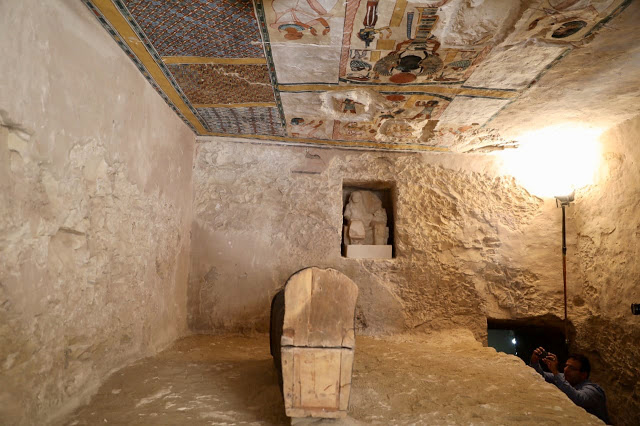 The tomb shows depictions of Queen Ahmos-Nefertari and her son Amenhotep I.